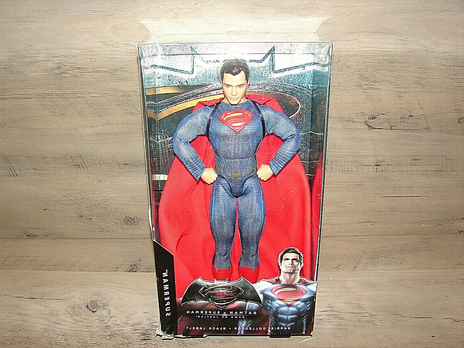 READ Collector v Justice Superman / Doll^